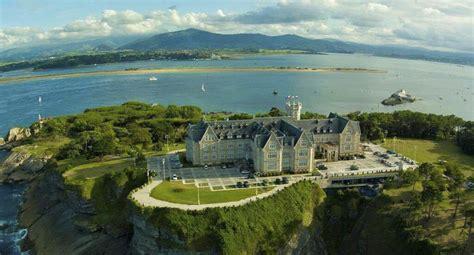 ¿Conoces la historia del Palacio de la Magdalena?