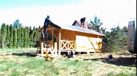 Construcción rápida de mini casa de madera - YouTube