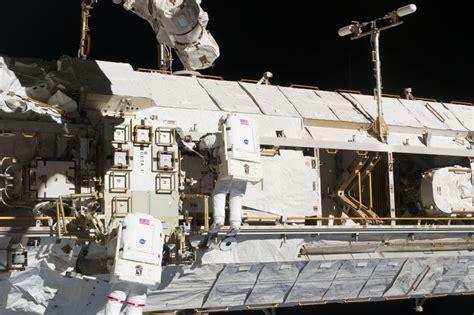 Construyendo la Estación Espacial Internacional ...