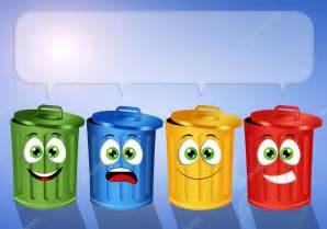 Contenedores de basura color para reciclaje — Foto de ...