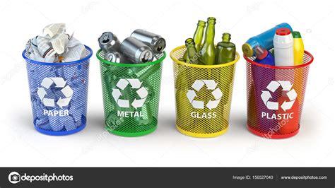Contenedores de basura de colores para reciclaje de papel ...