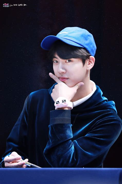 """Continue reading """"[Picture/Fansitesnap] BTS 'LOVE YOURSELF ..."""