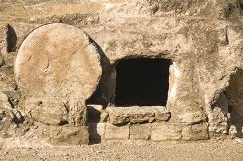 Contradictions in Gospel Accounts of Jesus' Tomb