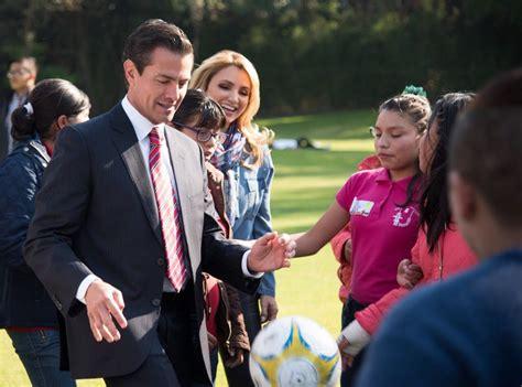 Conviven el presidente Enrique Peña Nieto y su esposa ...