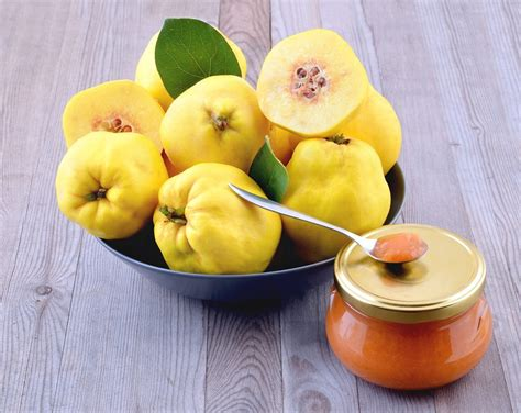 Cooking With Quince: Learn About Different Uses For Quince ...