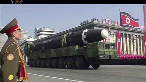 Corea del Norte se adelanta a Trump y pone a desfilar sus ...