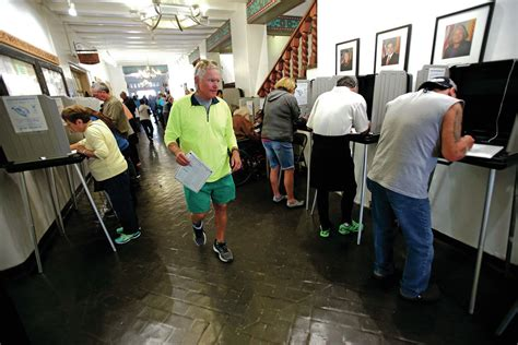 County clerk's offices hot spots for early voting, last ...