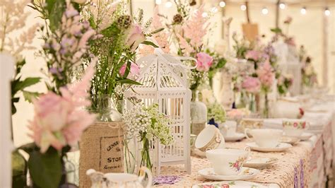 Create an English Country Garden Wedding with birdcage ...