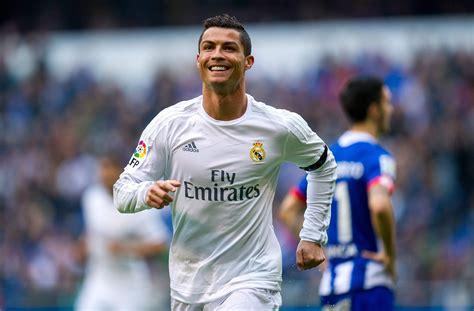 Cristiano Ronaldo Dating: Who Is Girlfriend? Is He Single ...