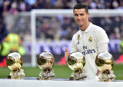 Cristiano Ronaldo est le joueur le mieux payé du monde (et ...
