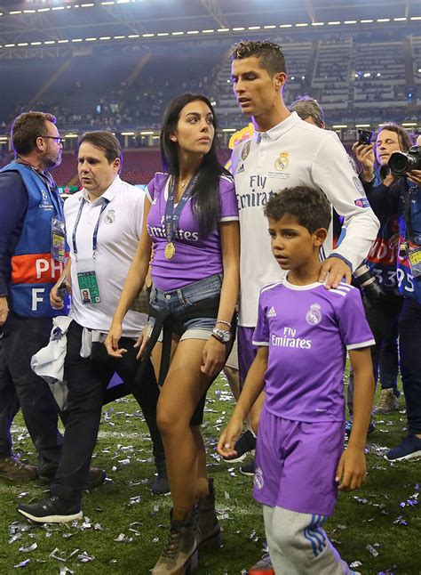 Cristiano Ronaldo & Georgina Rodriguez Pics: See Photos Of ...