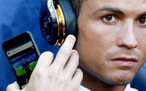 Cristiano Ronaldo ignores Man City v Real Madrid to look ...