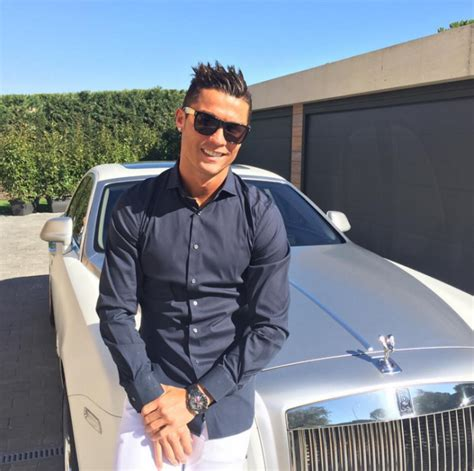 Cristiano Ronaldo Just Become The Most Popular Football ...