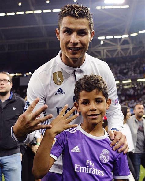 Cristiano Ronaldo muestra a sus gemelos en redes - Tabasco HOY