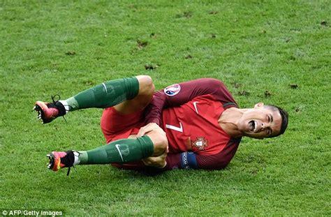 Cristiano Ronaldo suffers knee injury in Euro 2016 final ...