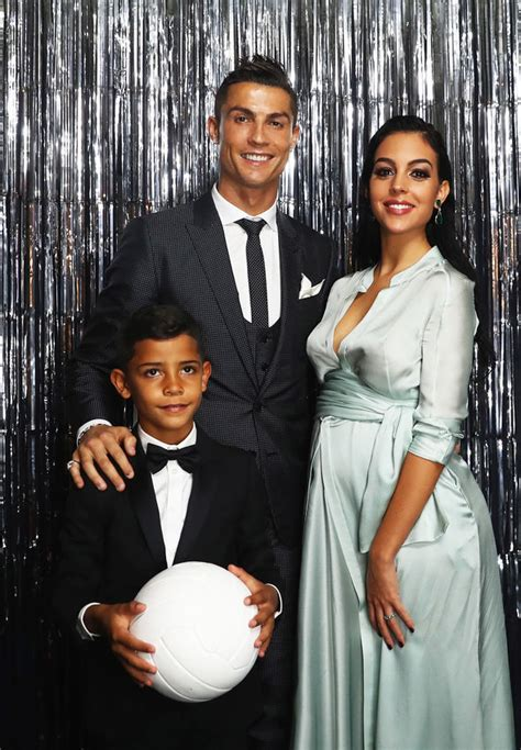 Cristiano Ronaldo welcomes baby girl into the world with ...