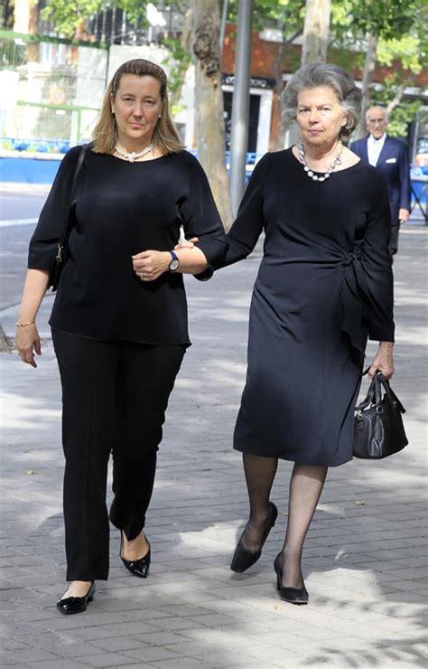 Cristina de Borbón Dos Sicilias, arropada por su madre y ...