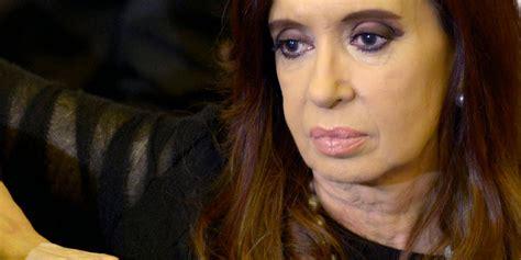 Cristina Kirchner sufrió una caída y debió ser trasladada ...