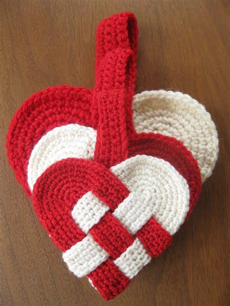 Crochet boobs for cancer pt.: Danish Heart Crochet Pattern