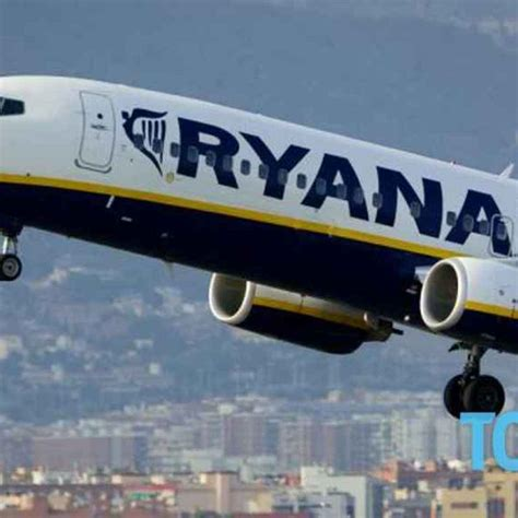 Cronaca Nera - Volo Ryanair: muore un italiano di 57 anni ...