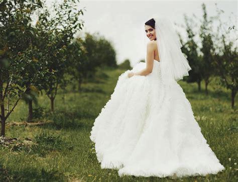 ¿Cuánto mide el vestido de novia más largo del mundo?