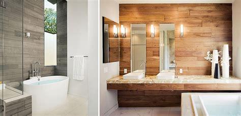 Cuartos de baño con paredes de madera