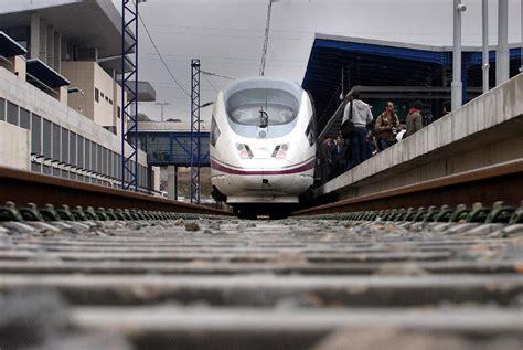 Cuatro trenes AVE unirán Calatayud con Zaragoza