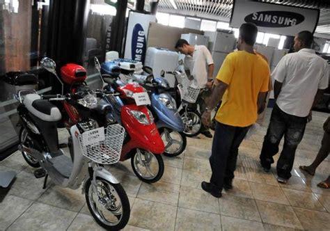 Cuba comienza a vender motos eléctricas