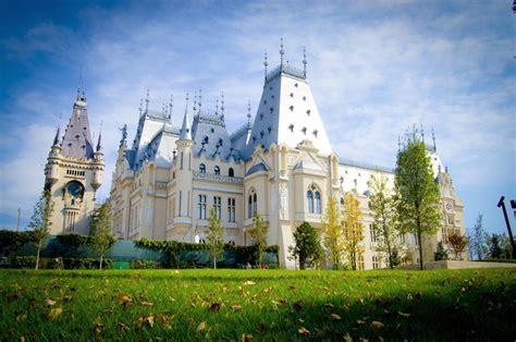 Culture Palace, Iasi (Palatul Culturii) | Romania Dacia