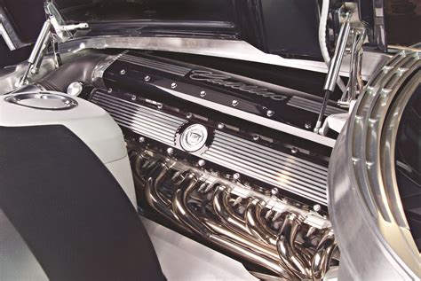 Cylinder Wars – The Race to Develop an American V16 Engine ...