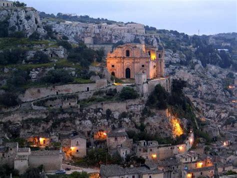 Da Nord a Sud ecco i borghi più belli d'Italia secondo ...