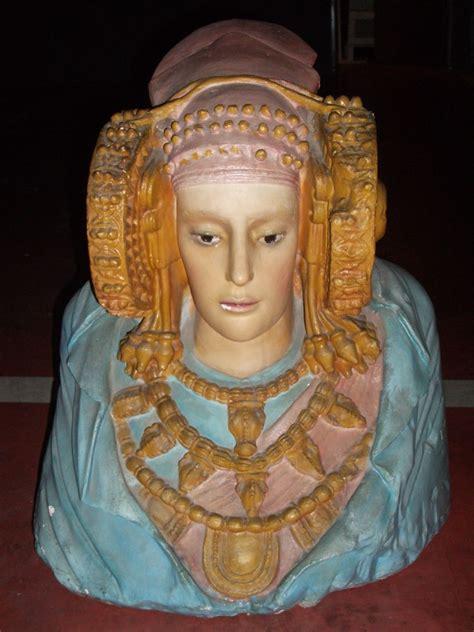 Dama de Elche   Cátedra Dama d Elx