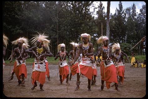 Dance Photography | CalPhotos: Watusi dance, Tutsi Tribe ...