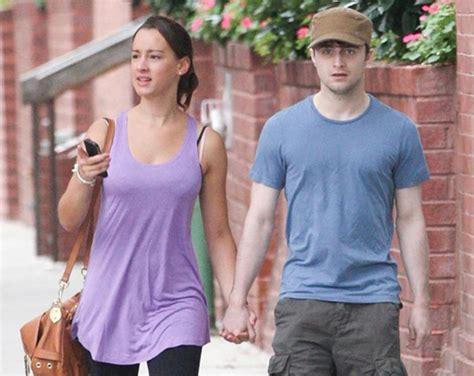 Daniel Radcliffe y su misteriosa novia de paseo   Red17
