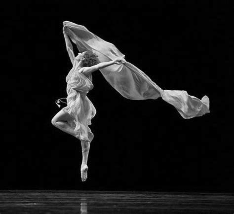 Danza Ecuador : Historia de la precursora de la danza moderna