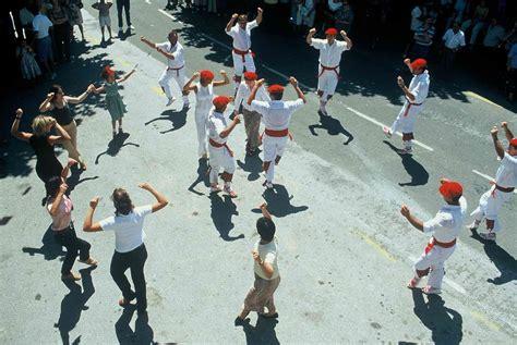 Danza tradicional - Gazteaukera - Infórmate sobre euskera