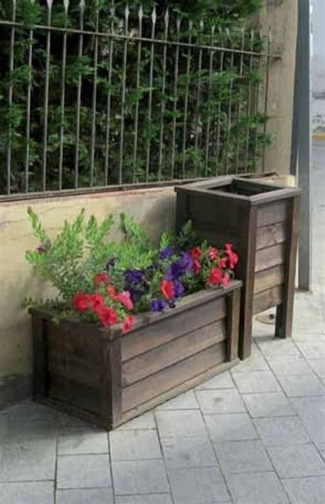 Decora tus flores y plantas con jardineras de madera |LA RIOJA