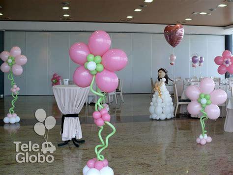 Decoración con globos de Primera Comunión con muñeca de ...