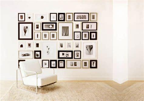 Decorar las paredes con cuadros