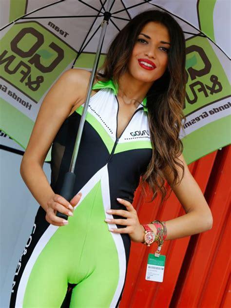 Deretan Grid Girls Cantik nan Seksi   Paddock Girls MotoGP ...
