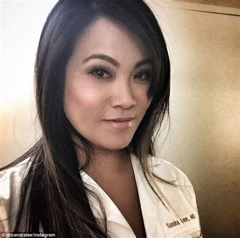 Dermatologist known as  Dr Pimple Popper  has become a ...