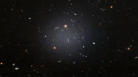 Descubierta una galaxia sin materia oscura