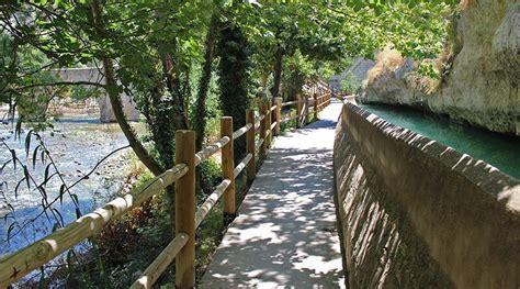 Descubre Alcalá del Júcar, un pueblo curioso y pintoresco ...