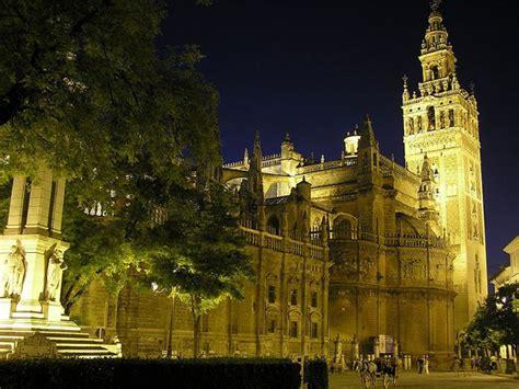 Descubre las iglesias en Sevilla capital   Descubra Sevilla