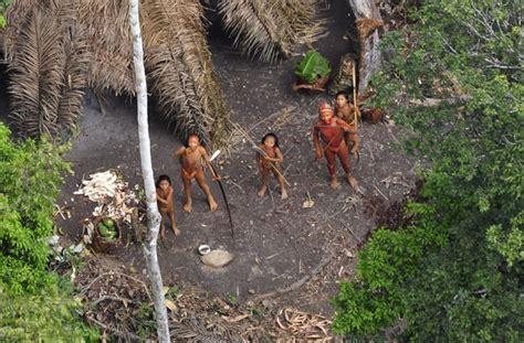 Descubren en Brasil una tribu indígena que ha permanecido ...