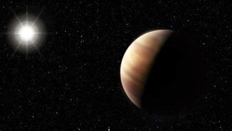 Descubren un exoplaneta que duplica el tamaño de Júpiter