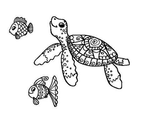Desenho de Tartaruga de mar com peixes para Colorir ...