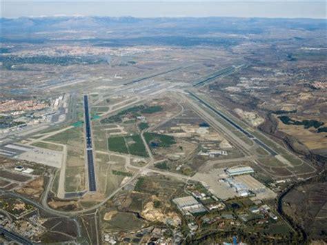 Desvían vuelos de Madrid Barajas por un incendio cerca del ...