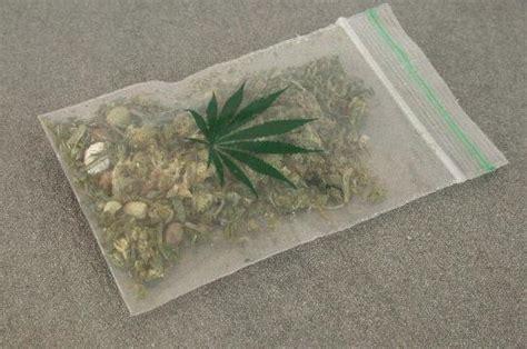 Detingut per vendre marihuana a dues menors a Sant Sadurní ...