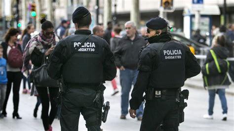 Detinguts dotze menors d'un centre de protecció per enviar ...